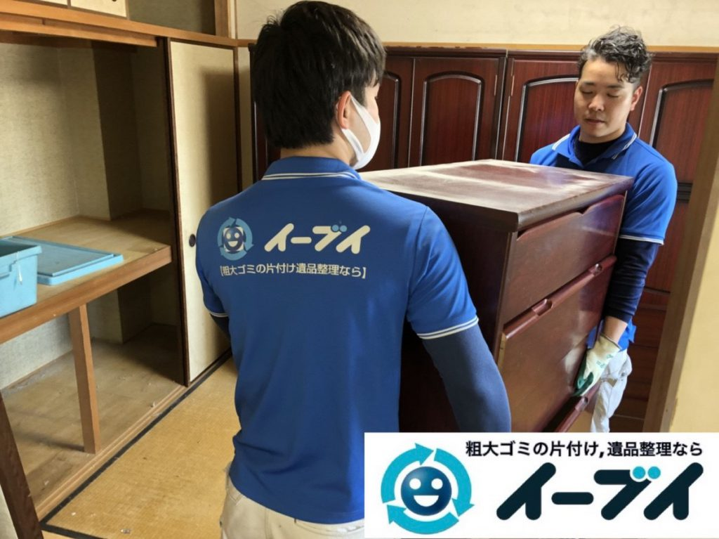 2019年3月17日大阪府大阪市旭区で婚礼家具や台所の片付け作業。写真3