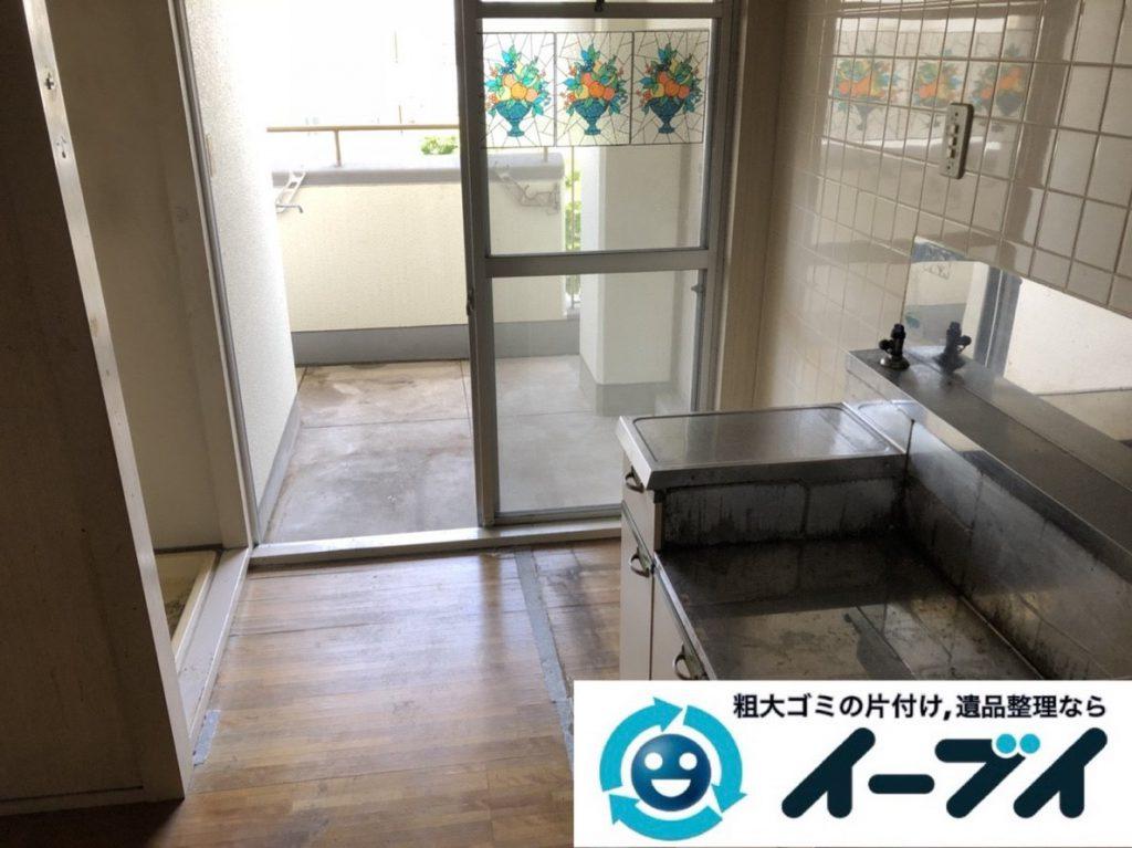 2019年3月17日大阪府大阪市旭区で婚礼家具や台所の片付け作業。写真2