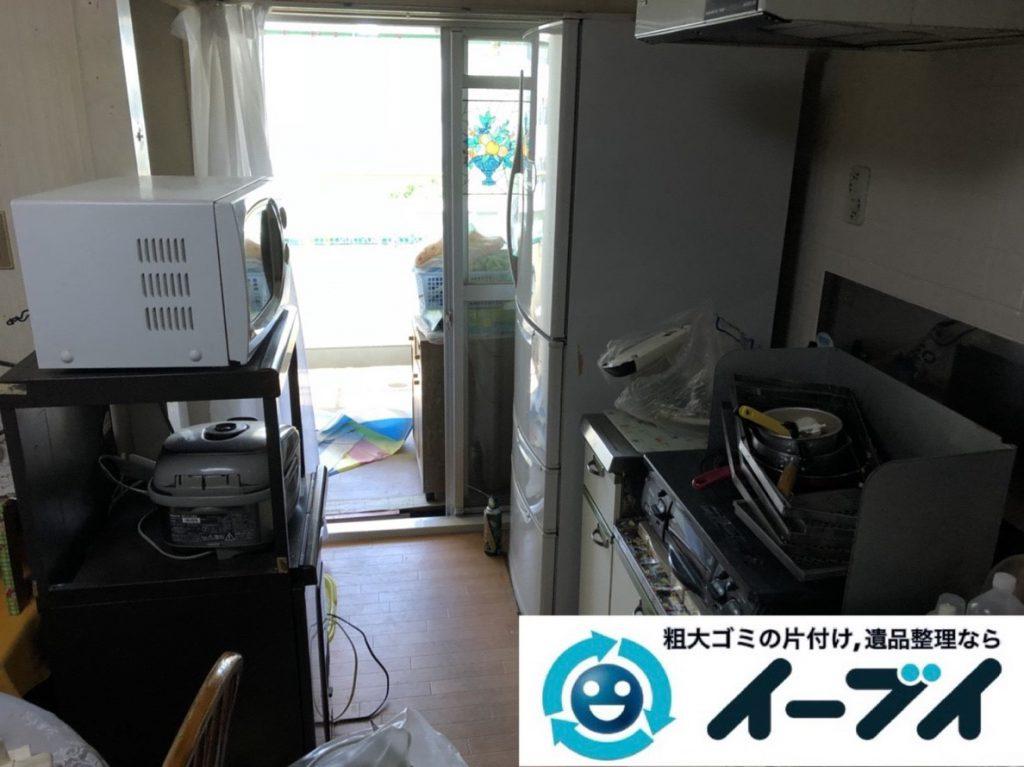 2019年3月17日大阪府大阪市旭区で婚礼家具や台所の片付け作業。写真1