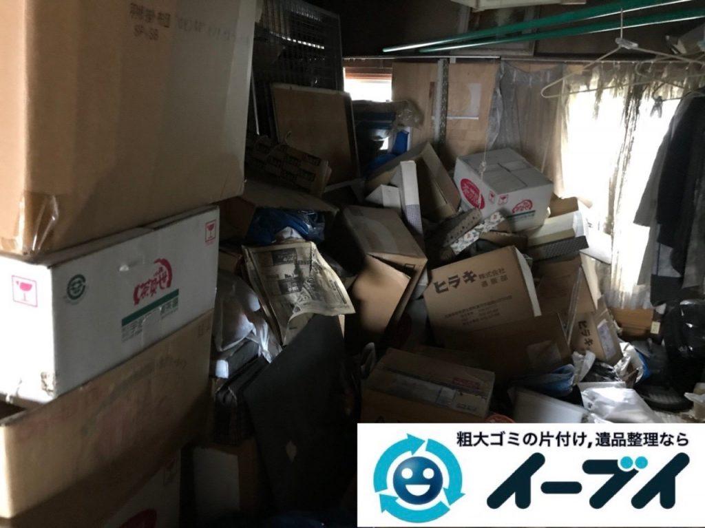 2019年5月3日大阪府堺市西区で箪笥や生活用品が散乱したゴミ屋敷の片付け作業。写真30分