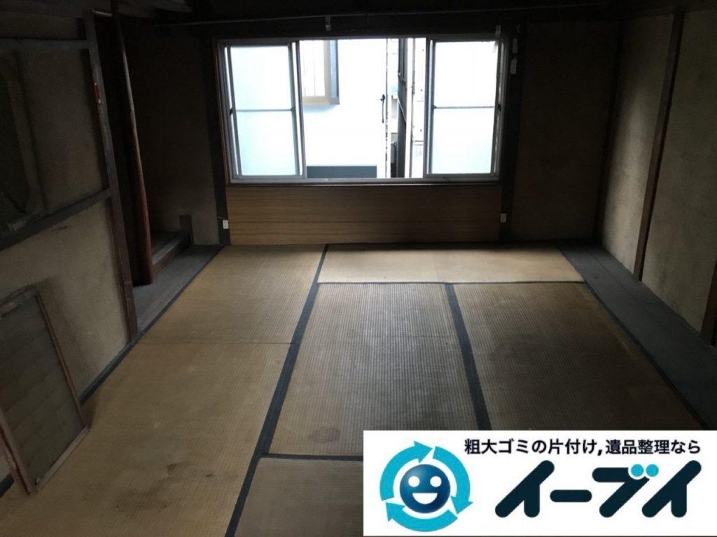 2019年5月3日大阪府堺市西区で箪笥や生活用品が散乱したゴミ屋敷の片付け作業。写真22日