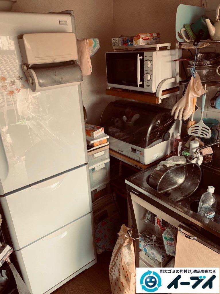 2019年5月10日大阪府高槻市で物や生活用品が散乱しゴミ屋敷化した汚部屋の片付け作業。写真5