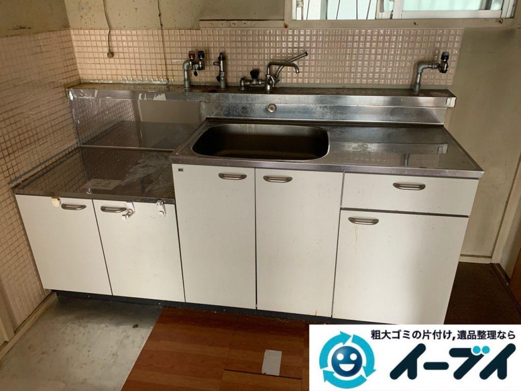 2019年5月18日大阪府大阪市住吉区で食器棚の大型家具、お部屋に散乱した生活用品などの不用品回収。写真4