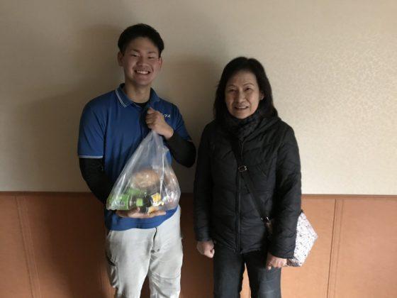 2019年4月26日大阪府堺市のお客様より一軒家のテレビボードやテーブル等の不用品を全て処分してほしいとの事で弊社にご依頼頂きました。写真1