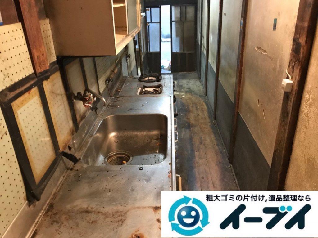 2019年6月8日大阪府大阪市大正区でゴミ屋敷化した汚部屋の片付け作業。写真4