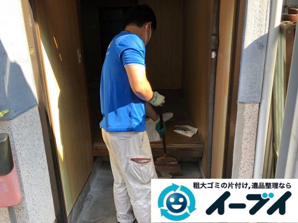 2019年6月24日大阪府大阪市城東区で玄関の不用品回収。写真1