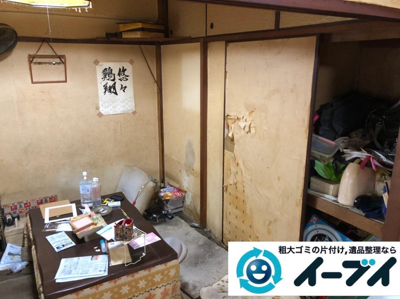 2019年7月1日大阪府大阪市西淀川区で物やゴミが散乱しゴミ屋敷一歩手前の汚部屋の片付け作業。写真4