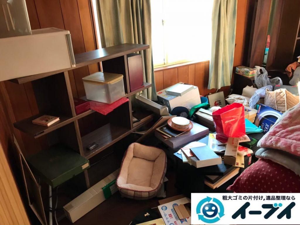 2019年9月3日大阪府大阪市淀川区物が散乱しゴミ屋敷化した汚部屋の片付け作業。写真1
