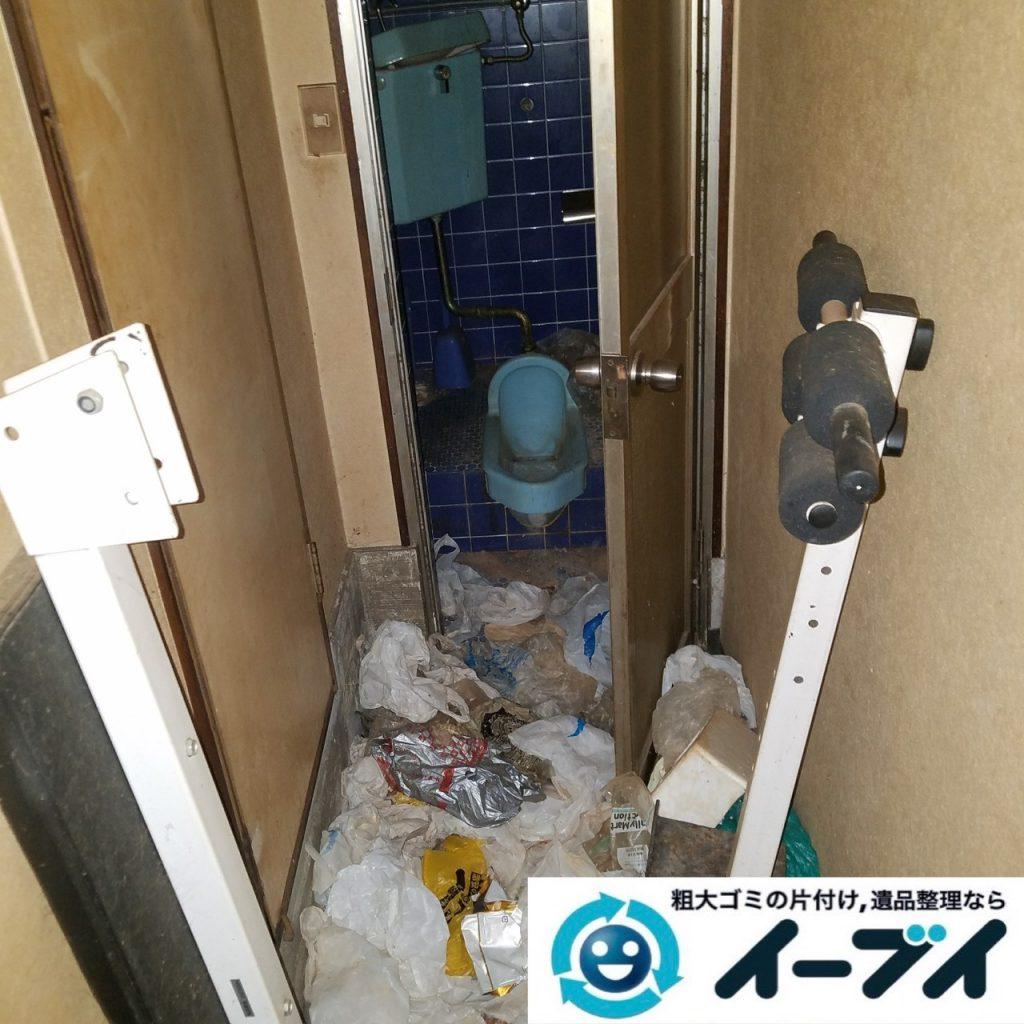 2019年9月11日大阪府大阪市福島区で食品ゴミや生活ゴミが散乱したゴミ屋敷の片付け作業。写真2