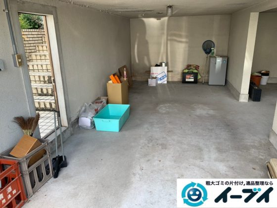 2019年10月22日大阪府岬町でガレージの不用品回収作業。写真1
