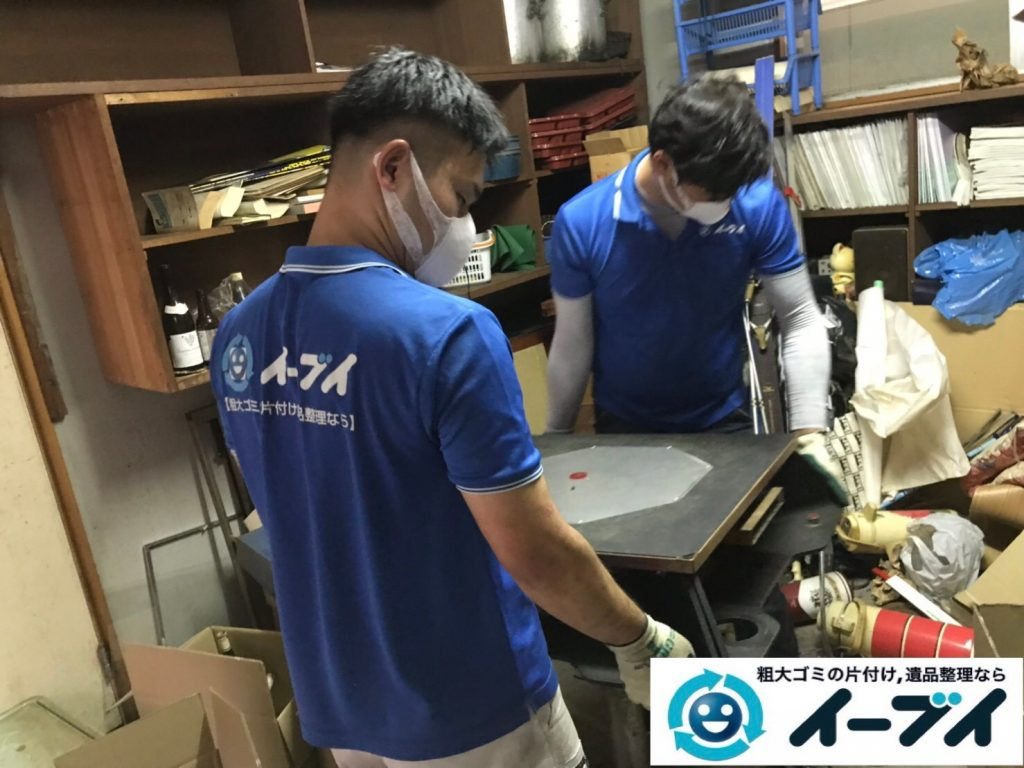 2019年11月13日大阪府茨木市で物置部屋の不用品回収作業。写真6