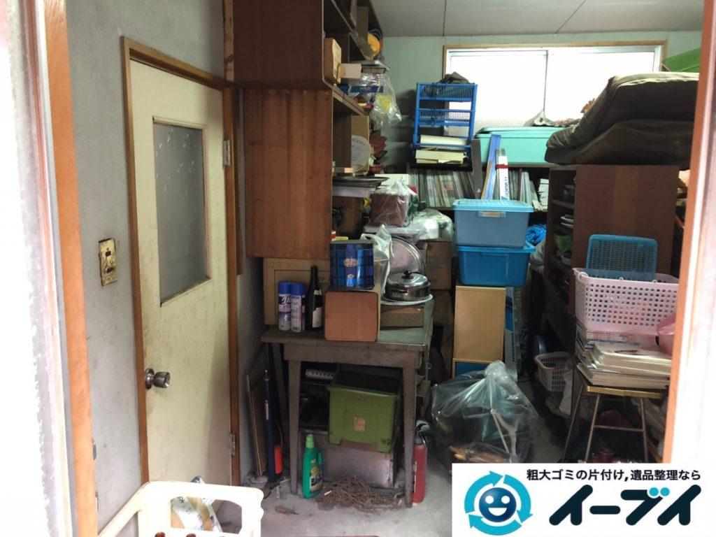 2019年11月13日大阪府茨木市で物置部屋の不用品回収作業。写真1