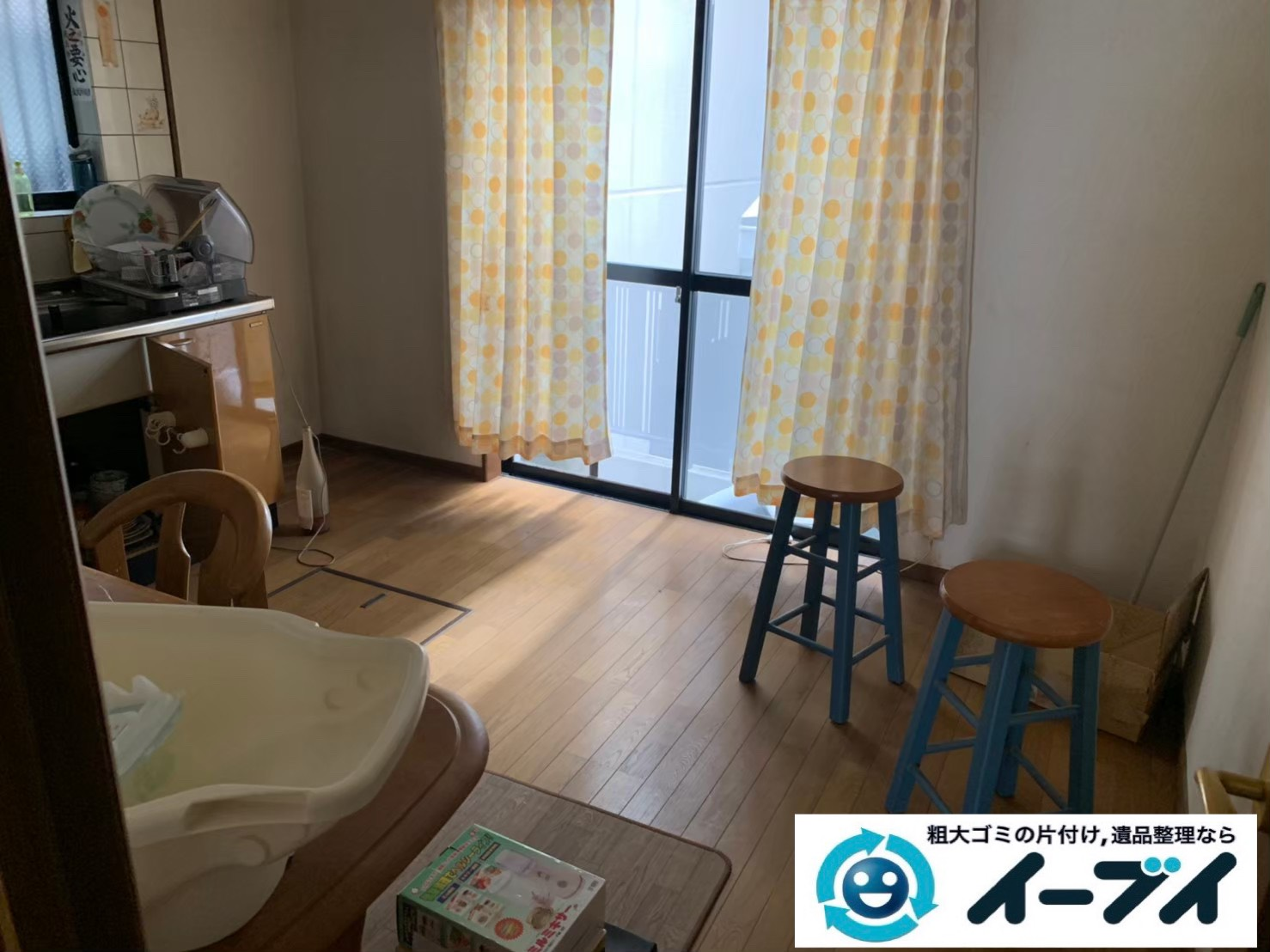 2019年12月9日大阪府泉佐野市でテーブルや椅子の家具処分、押し入れの片付け作業をさせていただきました。写真2
