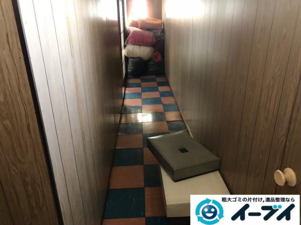 2020年2月27日大阪府堺市南区で押し入れや廊下の片付け作業。写真1