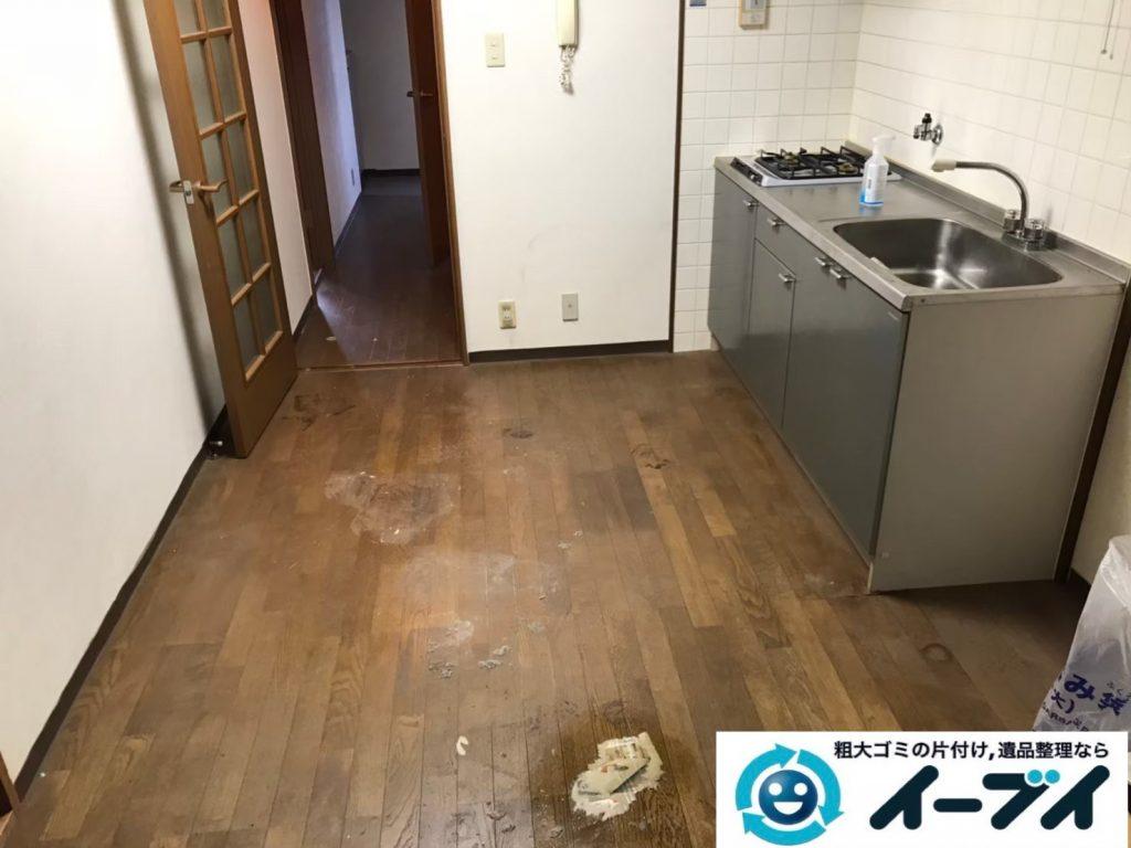2020年5月12日大阪府大阪市生野区でゴミ屋敷化したマンションの片付け作業。写真2