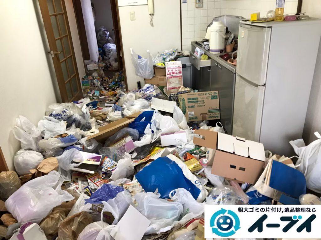 2020年5月12日大阪府大阪市生野区でゴミ屋敷化したマンションの片付け作業。写真1