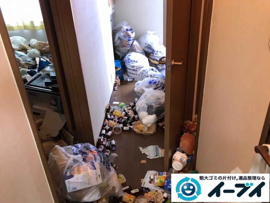 2020年5月11日大阪府大阪市淀川区で退去に伴い、ゴミが散乱したごみ屋敷の片付け作業。写真3