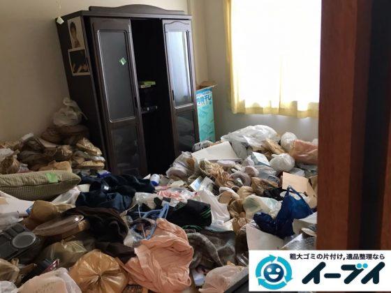 2020年5月6日大阪府大阪市福島区で食品ゴミや生活ゴミが散乱したゴミ屋敷の片付け作業です。写真3