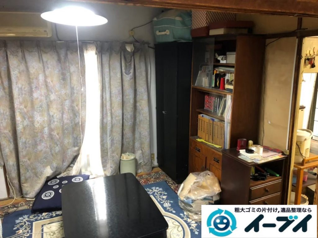 2020年5月19日大阪府大阪市西区でマンション一室の不用品回収作業。写真1