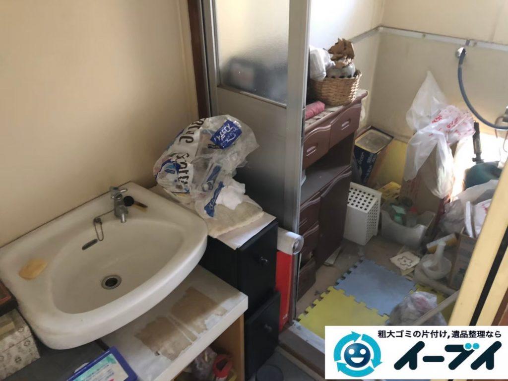 2020年6月2日大阪府大子町で不用品が溜まりやすいベランダの片付け作業。写真1