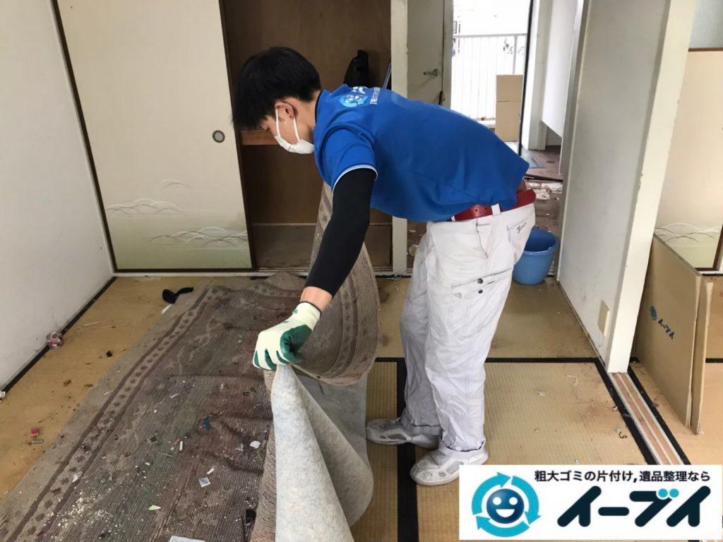 2020年7月20日大阪府千早赤阪でゴミ屋敷化した汚部屋の片付け作業。写真5