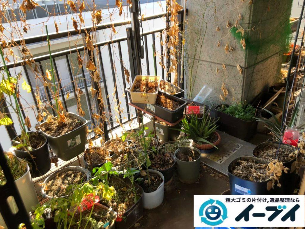 2020年8月27日大阪府大阪市此花区で植木鉢やガーデニング用品などの不用品回収作業。写真3