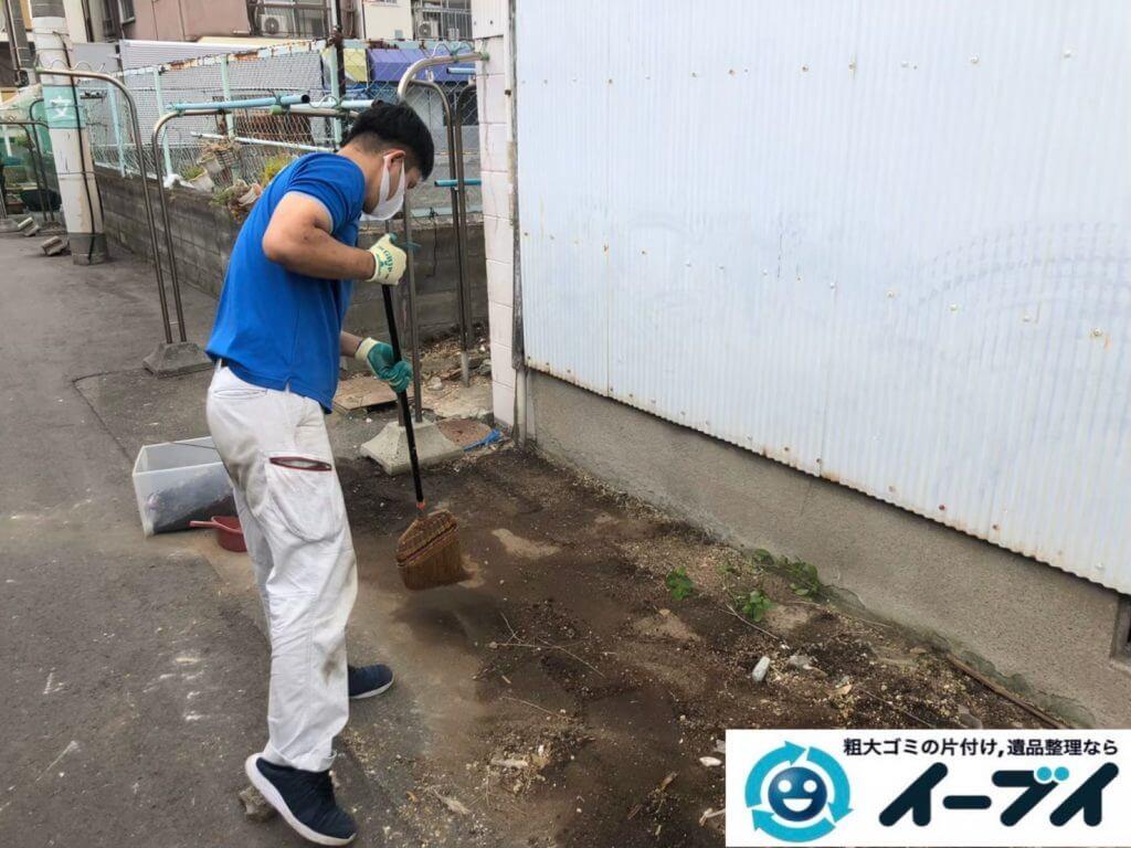 2020年10月2日大阪府大阪市天王寺区でゴミ屋敷化した汚部屋の片付け作業です。写真5