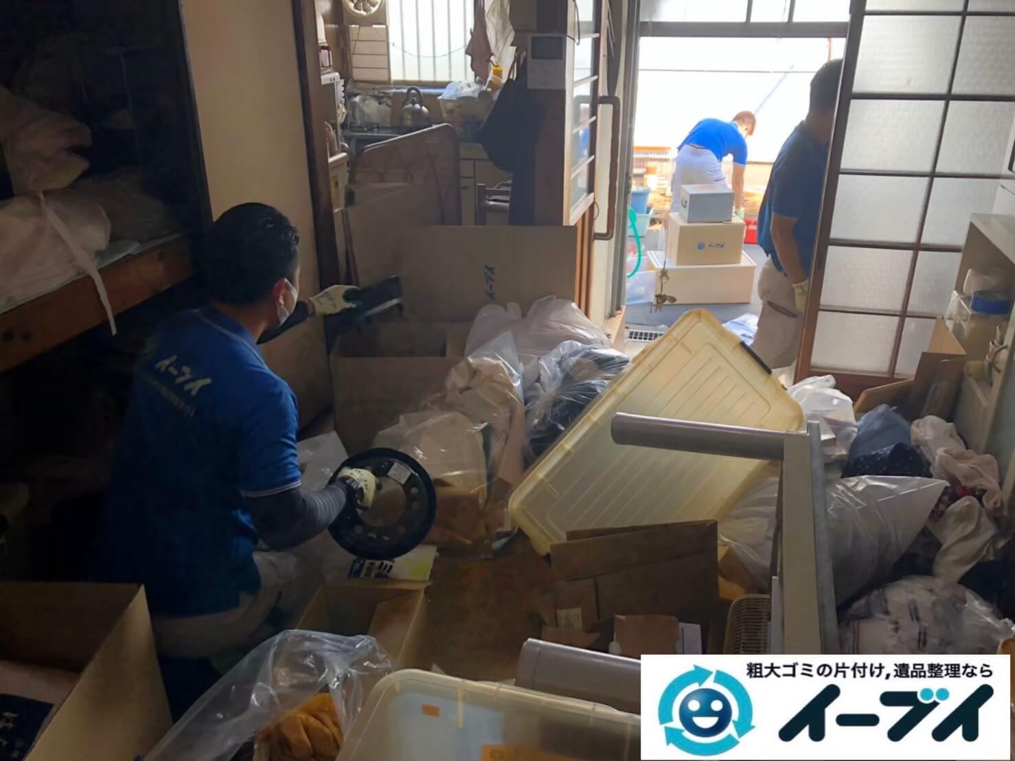 2020年10月2日大阪府大阪市天王寺区でゴミ屋敷化した汚部屋の片付け作業です。写真4