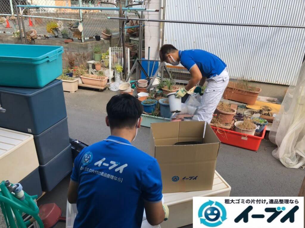 2020年10月2日大阪府大阪市天王寺区でゴミ屋敷化した汚部屋の片付け作業です。写真3